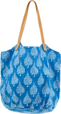 crete blue-hydrangea-bucket bag