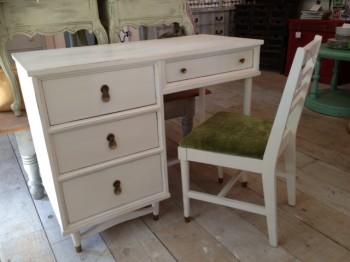 white desk#3